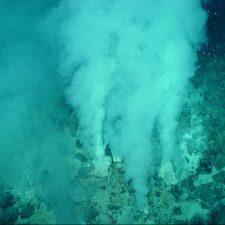 Chimenea submarina de roca sulfurosa